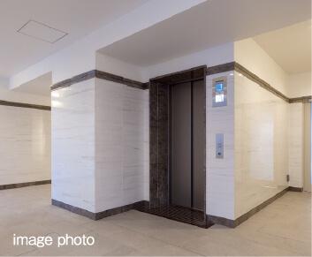 除菌イオンで清潔&快適な<br>エレベーター