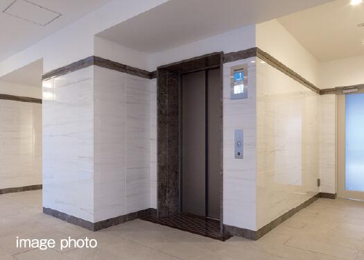 除菌イオンで清潔&快適なエレベーター